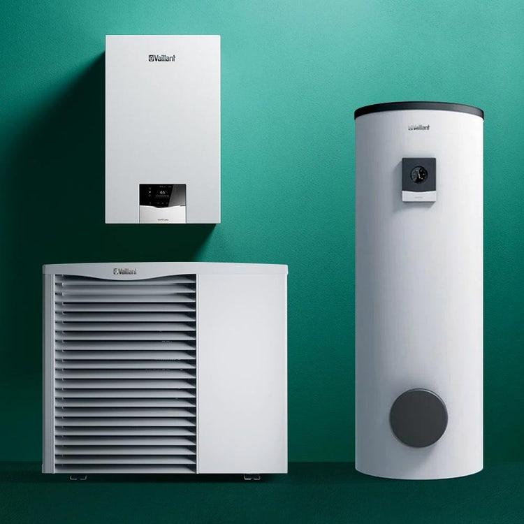 Vaillant Sistema ibrido 3.4 composto da caldaia a condensazione murale solo riscaldamento ecoTEC plus VM 35, bollitore bivalente e pompa di calore monoblocco aroTHERM VWL 85/3 0010040055