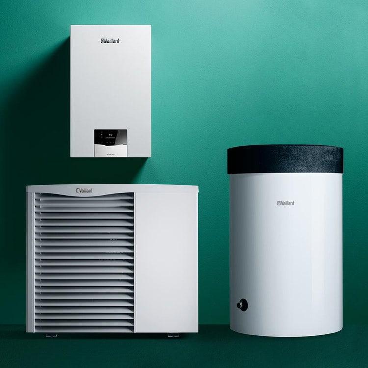 Vaillant Sistema ibrido 4.3 composto da caldaia a condensazione murale ecoTEC plus VMW 30, bollitore monovalente e pompa di calore monoblocco aroTHERM VWL 85/3 0010040058
