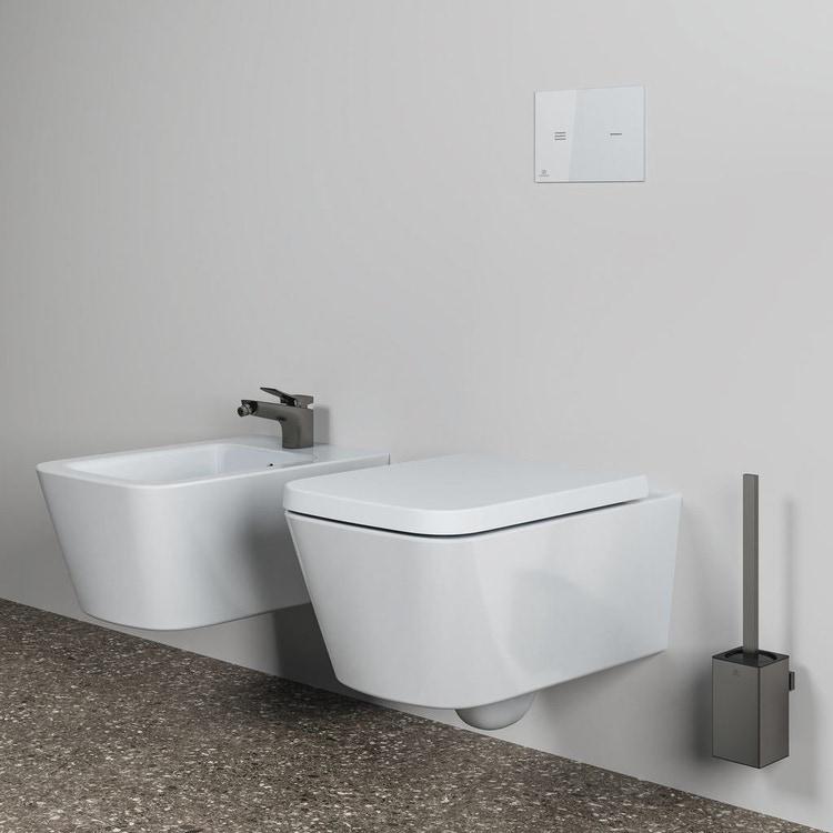 Ideal Standard BLEND CUBE set sanitari sospesi, vaso AquaBlade® senza brida e senza sedile, bidet monoforo con troppopieno, colore bianco finitura lucido T368601-T368701-T392701