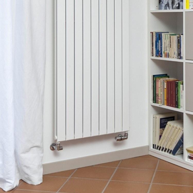 Deltacalor FLYLINE VERTICALE DOPPIO radiatore bianco h 600 x l 228 mm FL2V060003B