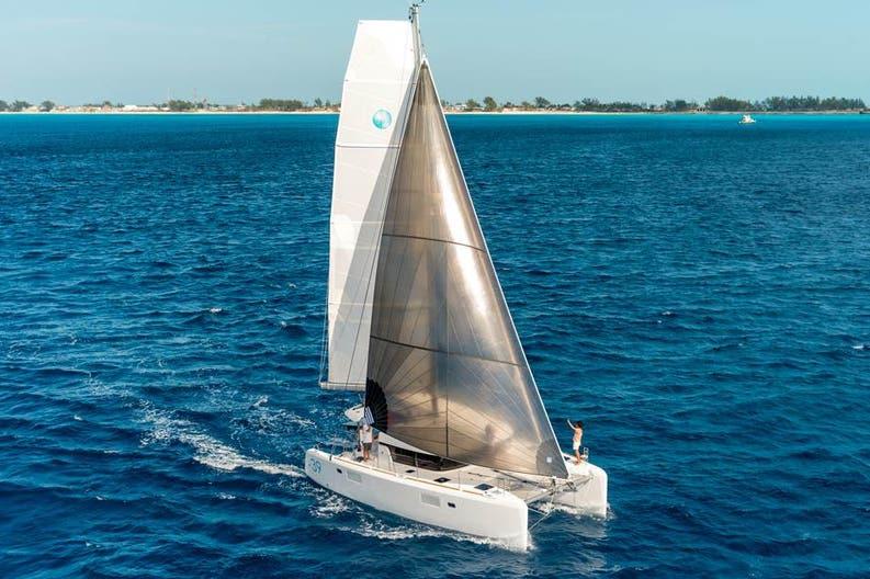 Sailing of the Lagoon 39