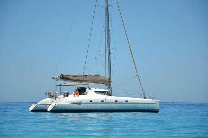 View of the sailing boat Bahia 46 / Ouranos