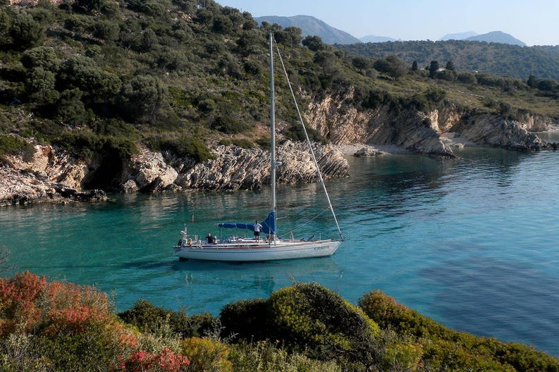Cyclades Penne Bianche sailing