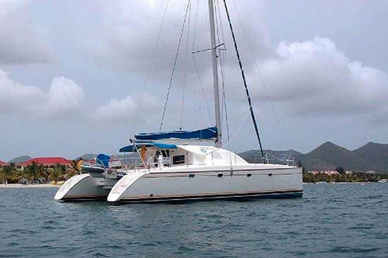 Sailing boat Nautitech 435