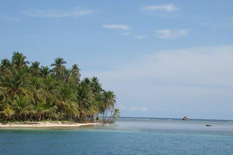 Panama San Blas beach